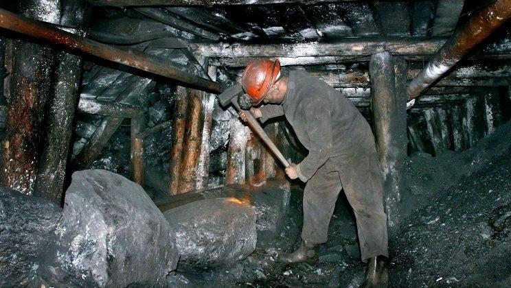 В Кузбассе разработали книжку Золотых правил безопасности труда на предприятии