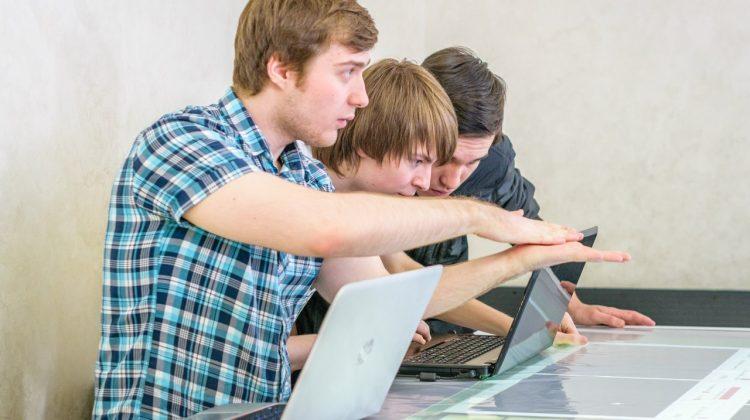 В Госдуме создают систему помощи молодым специалистам