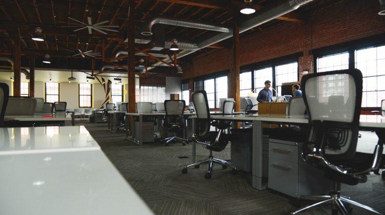 Охрана труда и техника безопасности в офисе